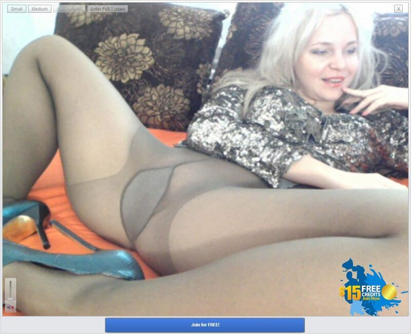 Screenshot of White Haired Mature Camgirl in Stockings