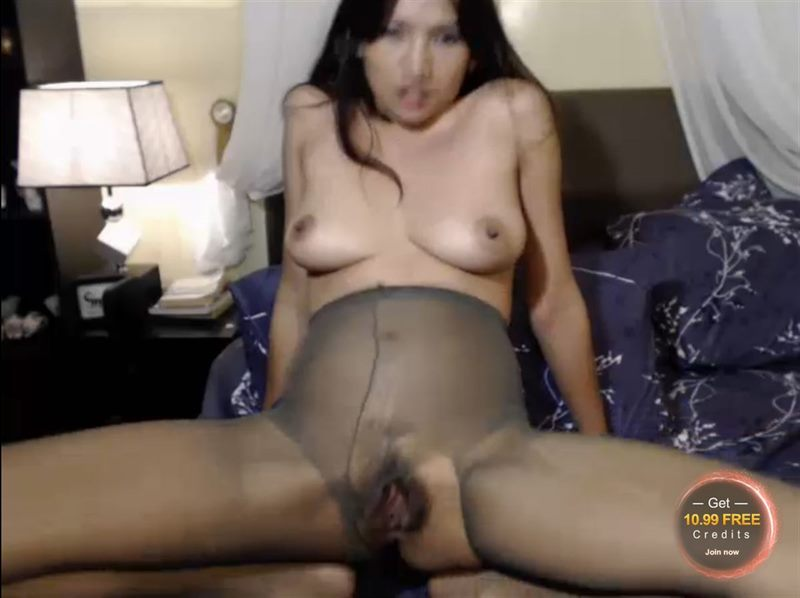 Screenshot of Skinny Asian Spreading her Pussy