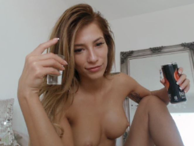 Hot Babes Love to Fuck at MyFreeCams